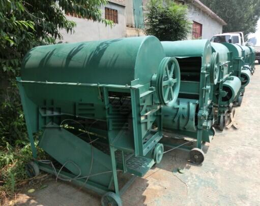 新款花生采摘机设备,畅销干湿花生摘果机厂家