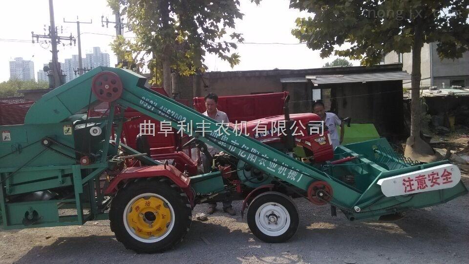 新型自走式玉米脱粒机