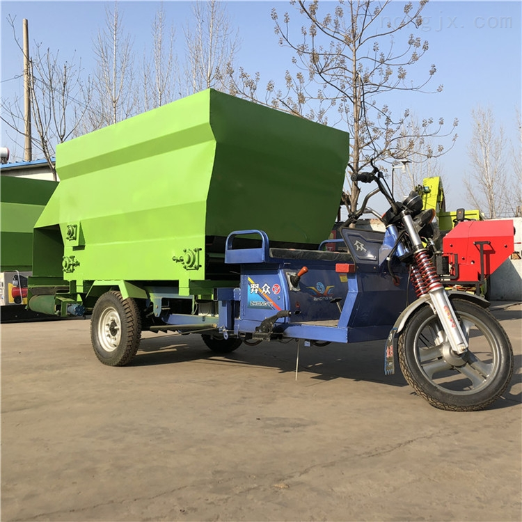 双侧出料电动撒料机 养牛场专用日粮撒料车
